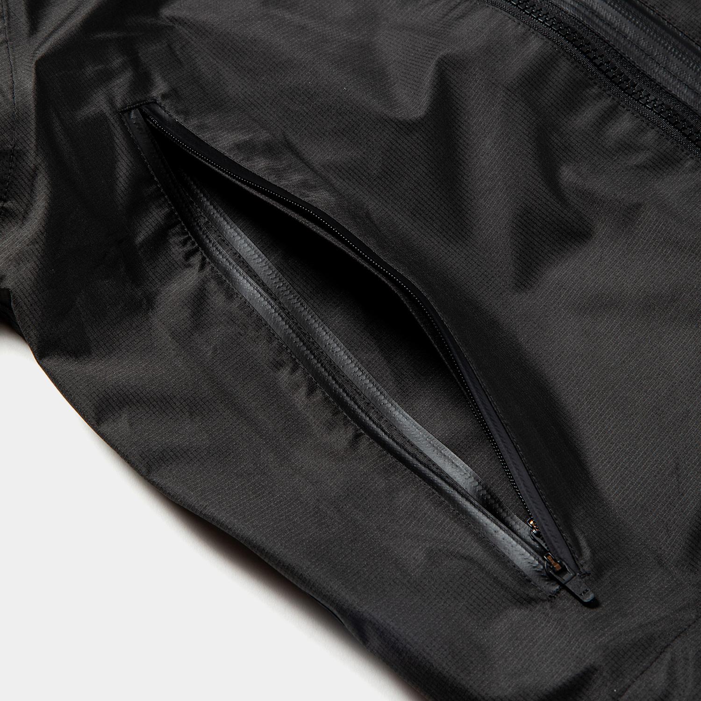 Air Circulation System Rain Jacket / Off Black