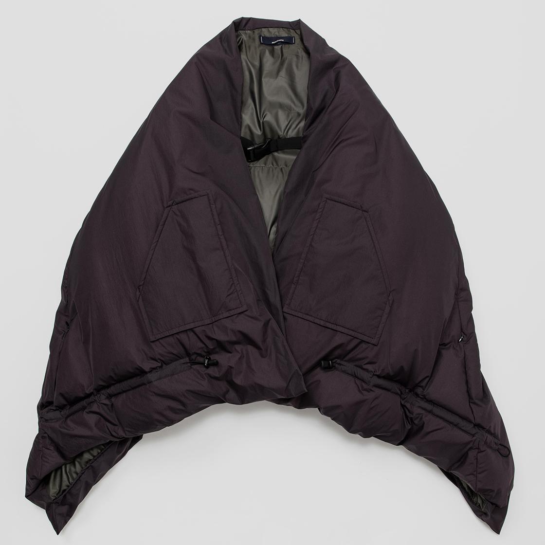 Down Blanket / Blackberry