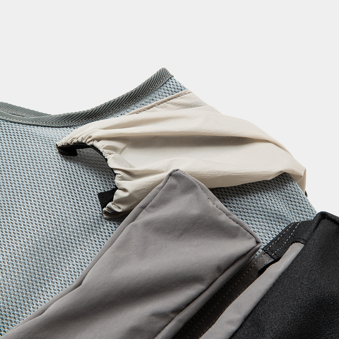 Crisp Luggage Vest / Grey